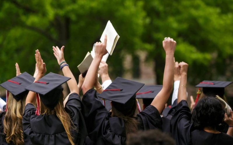 Thông báo về kế hoạch xét tốt nghiệp năm 2021